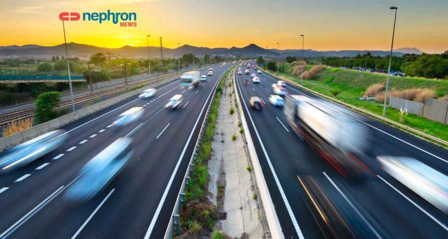 αυτοκινητόδρομος με αυτοκίνητα σε κίνηση