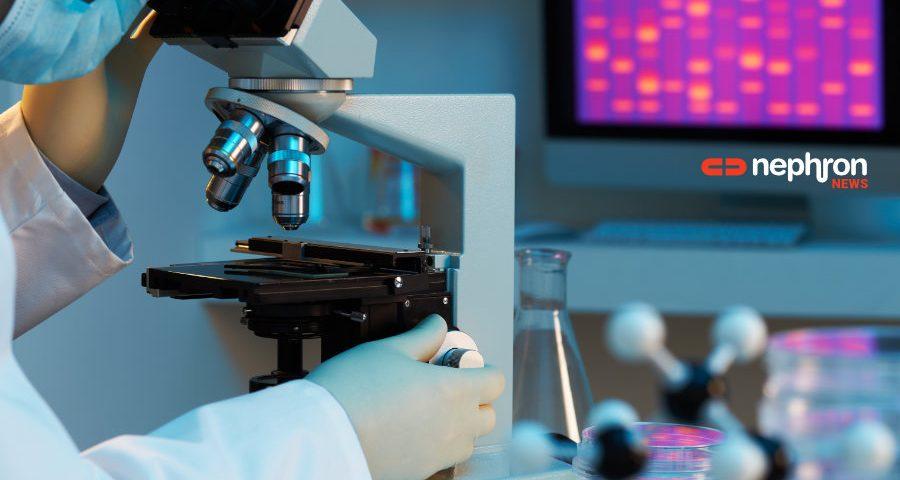 ερευνητής με μικροσκόπιο