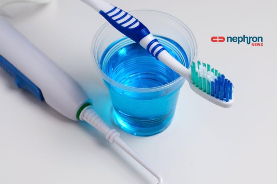 οδοντόβουρτσα και στοματικό διάλυμα