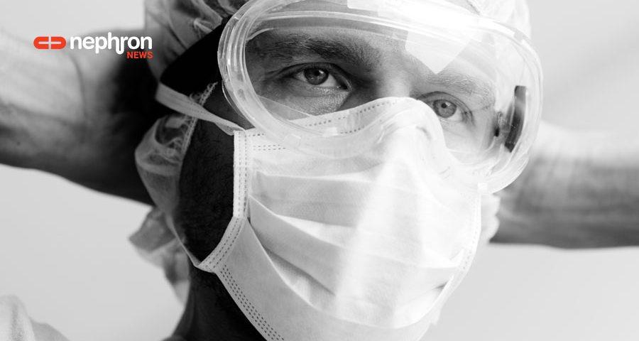 γιατρός με τα χέρια πίσω από το κεφάλι