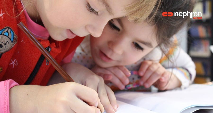 μαθητες δημοτικου γραφουν